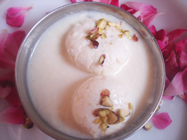 rasmalai in bowl